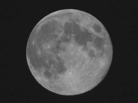 moon_120802_05m.jpg